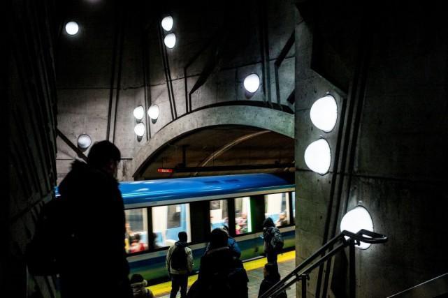 Abonnements: 2000employés passent aux transports en commun à l'année
