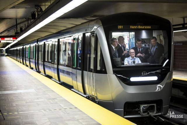 Le premier train Azur officiellement en servicedans le métro de Montréal | Jean-François Codère | Montréal