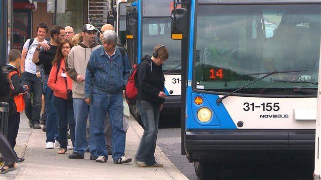 Québec réorganise la gouvernance du transport en commun dans le grand Montréal | ICI.Radio-Canada.ca