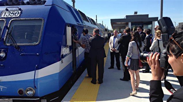 Achalandage modeste pour l'ouverture des deux dernières gares du train de l'Est | ICI.Radio-Canada.ca
