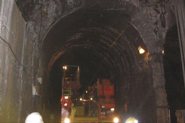 La Presse - 21 oct. 2011 - Tunnel du mont Royal: l'Agence dit étudier des solutions | Bruno Bisson | Montréal