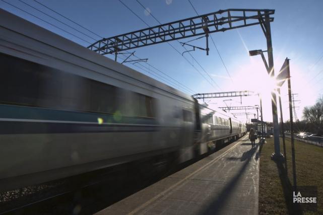 Locomotives bimodes de l'AMT: le CN réclame un renforcement des voies | Bruno Bisson | Montréal